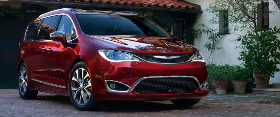 Фотография Chrysler Pacifica 2019 года